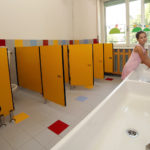 Szkolne łazienki na Mazowszu pozostawiają wiele do życzenia