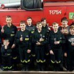 Młodzieżowa Drużyna Pożarnicza z medalem