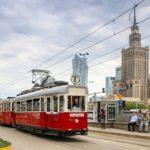Zabytkowym autobusem i tramwajem po Warszawie
