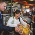 Repatrianci z Kazachstanu przyjęci przez Gminę Ożarów Mazowiecki